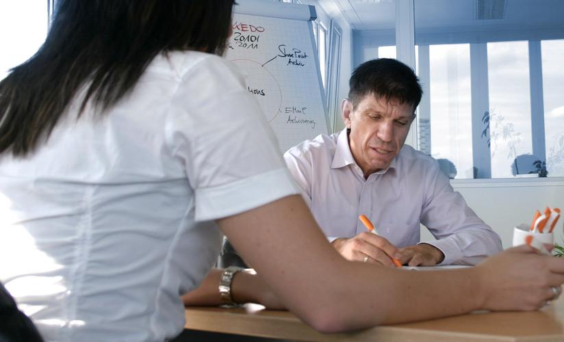 Frank Schick mitten im Meeting | Perspektive eines Mitarbeiters